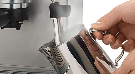 Saeco - Make milk with barista tools